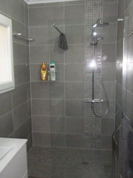 Chambre 2 - salle de douche avec WC