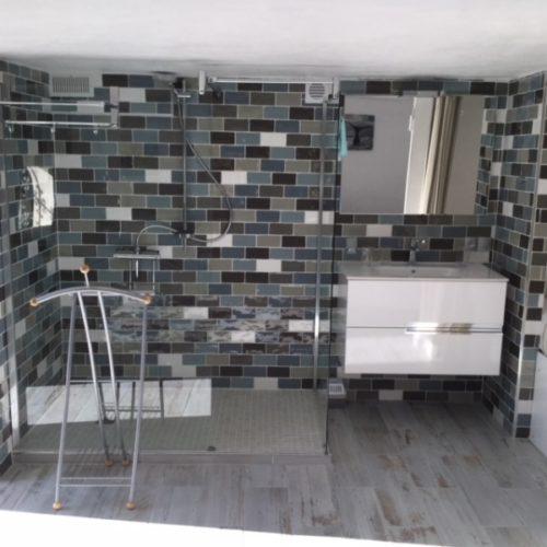Chambre 4 - salle de douche avec WC