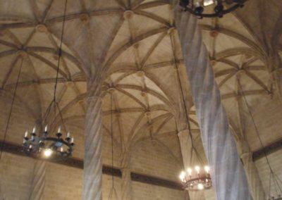 Palais aux colonnes torsadées